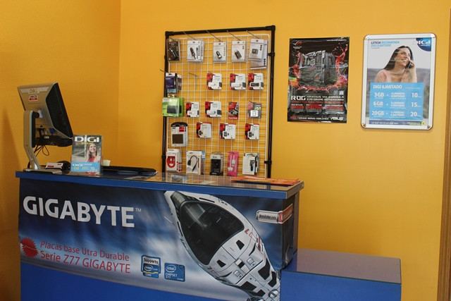 COMPUTER STORE 7